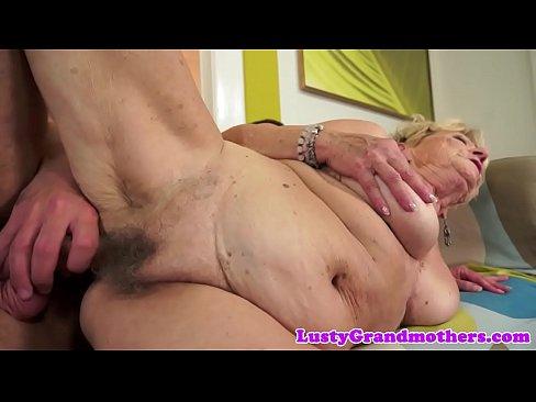 Bunicuta Are Pielea Lasata Pe La Pizda Si Putini Floci Porno