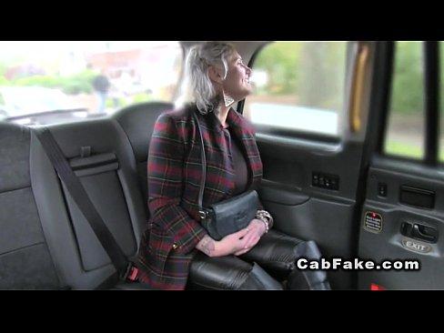 Matura Blonda Si Curva Se Fute Cu Taximetristul Bagabond