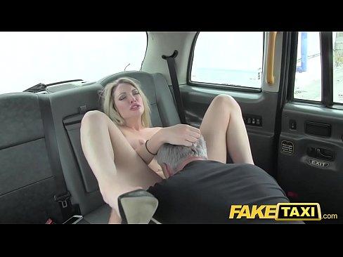 Cea Mai Sexy Tanara Fututa De Un Taximetrist Se 66 De Ani
