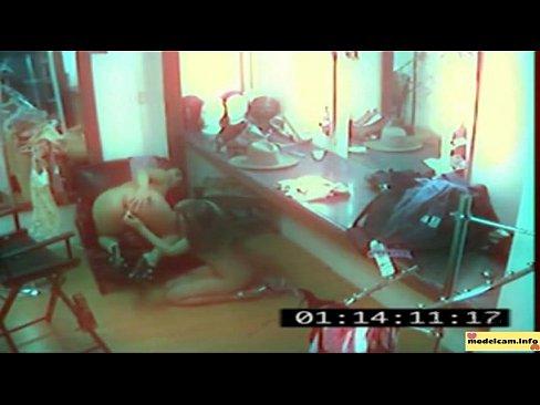 Секс на улице на камеру видеонаблюдения фото 424-705