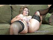 Picture Mature slut Sandie Marquez plays with her La...