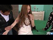 สาวน้อยแสนสวยโดนหนุ่มๆรุมจับสวิงกิ้ง 2รุม1 เย็ดหีโม๊กควย ลีลาเร่าร้อนมาก