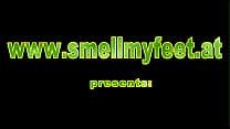 Nylon feet smelling
