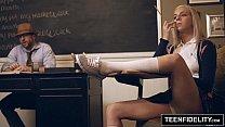 Tiffany Watson puteando en el salon
