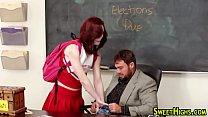Professor socando na bucetinha da aluna