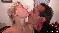 Pai faz sexo com a filha ninfetinha