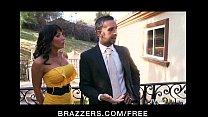 Tattooed brunette MILF Lezley Zen takes on two ...