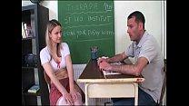 Alumna puta excita a su profesor