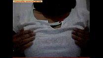 dora de camiseta branca1