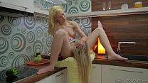 lesbicas gostosas transando na cozinha