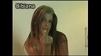 Amadora loira com marquinha de bikini no strip