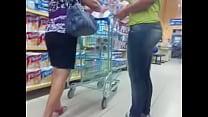 rabuda no supermercado