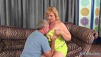 Big titty plumper Amazon Darjeeling gets her as...
