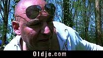 Slutty 19 years old teenie gives oldman a golde...