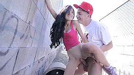 Rabuda Novinha Ficando de Quatro no Xvideos Amador Grátis