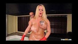 Tranny Pamela Falcão dando o cu grande