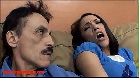 Pai e filha fodem com muito tesão