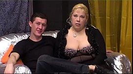 Mãe gordinha fazendo sexo com o seu filho