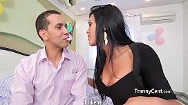 Comemorando o aniversario com a namorada transex