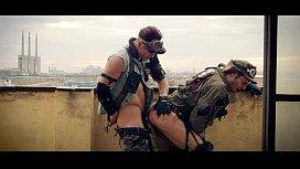 Soldadores safados transando com enorme tesão
