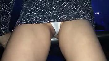 Tangas videos Kim exhibicionista mostrando tanga y cosita en antro del df exhib my pussy