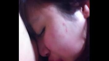 คลิปเสียว คลิปx คลิปโป๊วัยรุ่น ผู้หญิงชอบให้ XxX แฟนลูบหัวจับผมกระชากปากโม้คควย แล้วโก่งหีให้เย็ดต่อ
