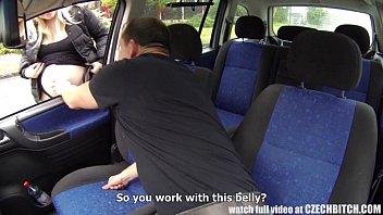 คลิปx หนังxxx คลิปโป๊ฝรั่งหลุดใหญ่เย็ดกันในรถกระแทกไม่ยั้งเลยเสียงดังลั่นรถ