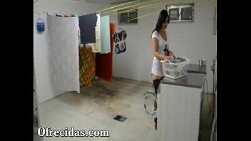 Chicas Amateur Deliciosa cogida le doy a mi vecina mientras lavaba su roap
