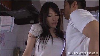 คลิปx Jav สาวน่ารักโดนเย็ด ฝีมือชายที่ลงมือเป็นเพื่อนพี่ชายของเธอเอง สวยมากจะให้พลาดได้ไงกัน