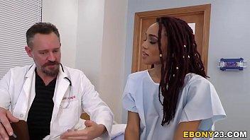O Pizda Se Fute In Spital Cu Patru Doctori Ca Nu Stiu Ce Boala Are
