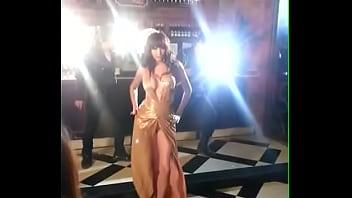 คลิ๊ปโป๊ ลูกตาล ชโลมจิต คลิปหลุดดาราไทยหัวนมผล่ตอนถ่าย MV เพลงตัวเอง มีปัดพลาด ช่างไฟช่างกล้อง เดินนิ่ง โอโหนมใหญ่จัง