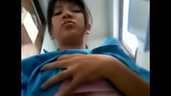 คลิปxฟรี หนังโป๊ เด็กนักเรียนหญิง ม.6 นมใหญ่แถวสุพรรณแอบเย็ดกับเพื่อนในห้องน้ำ