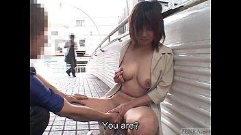 คลิปxฟรี คลิ๊ปโป๊ ro89 japan เปิดนมโชว์กันบนสะพานลอย แม่งไม่กลัวใครเห็นเลยหรือไงครับเนี้ย