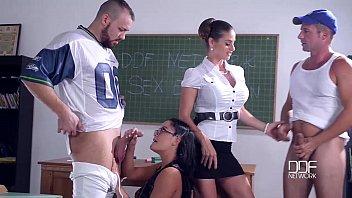 คลิปxฟรี โค้ชสาว NFL มาเีลควยให้ในห้อง ก่อนออกรบไปชน ดูดน้ำว่าวออกควย เย็ดหีฟรีๆกันอยากได้แชมป์