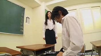 คลิปเสียว คลิปxฟรี หนังโป๊นักเรียนแอบถ่ายเย็ดกันในห้องเรียน ลีลาการเย็ดโคตรมันไม่ดูหีพลาดมาก