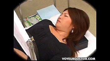 หนังโป๊ 285หมอหื่นแอบขืนใจคนไข้หญิงxxxตอนมาตรวจภายใน