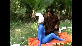 คลิปx คลิปฝรั่งเล่นพิเลน Closplay เป็นตัวฟ้า ๆ ที่เด็ก ๆ ชอบกันแล้วพากันเข้าป่าไปรุมโทรมผู้หญิงเย็ดจรสีหลุดหมด