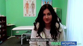 คลิ๊ปโป๊ คลิปx สาวสวยนางพยาบาลเจอคนบ้าจับเย็ดหีเเตกในอมควยอย่างเสียวเลย