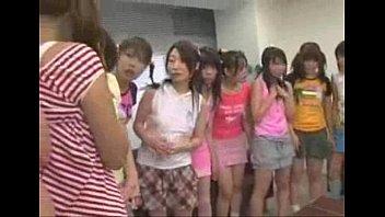 หนังโป๊ หนังxxx เศรษฐีหนุ่มชาวญี่ปุ่นยอมจ่ายไม่อั้นเพื่ิที่จะพาสาวๆทั้งสี่คนให้มารุมเย็ดเค้า