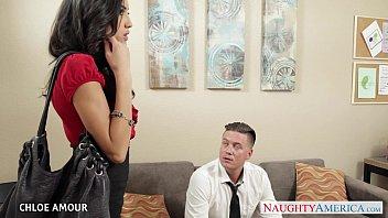 หนังเอ๊ก คลิ๊ปโป๊ สาวสวยผิวขาว เเหกหีให้ผู้จัดการเย็ดในออฟฟิศ ตอนเลิกงาน