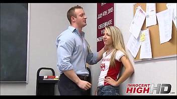 นักเรียนสาวควยยาวแทงไม่สุด