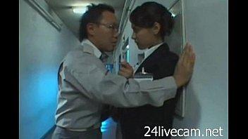 ハーフ美女な小澤マリアがおっさんにレイプされた