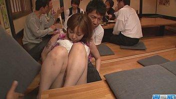 คลิปxฟรี หนังxxx ร้านอาหารญี่ปุ่นขายเซ็กส์กันจะๆโต๊ะอื่นมองกันเหวอ คลิปโป๊ดูฟรี