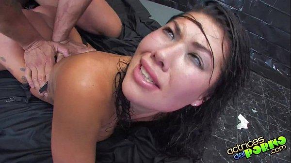 Sexo brutal com novinha safada
