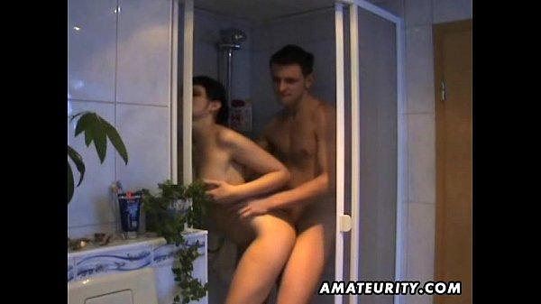 Amateur girlfriend sucks and fucks in her bathroom_หนังโป๊ HARDCORE เย็ดดุ เอาเดือด