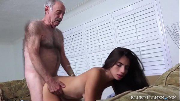 Porno Incesto Pai e Filha no sexo