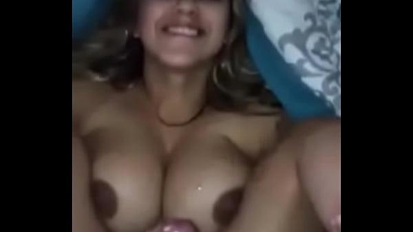 Videos de Sexo Ninfetinha peituda trepando gostoso