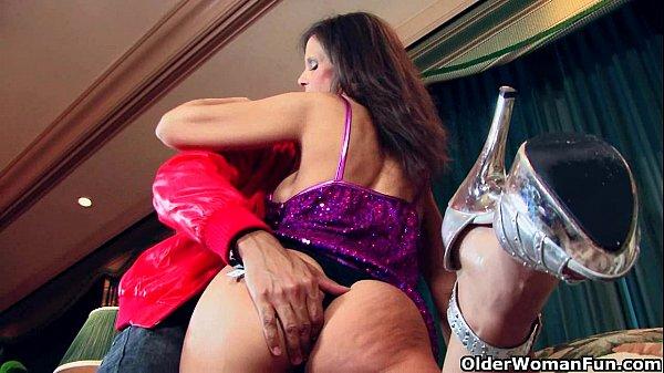 Prostituta Assanhada Com tesão Na Boceta Fazendo Seu Serviço Completo