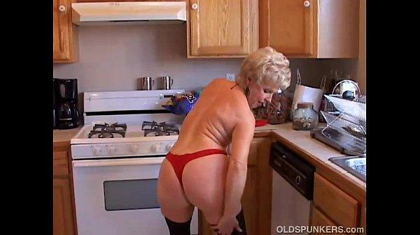 Sexy grandma squirting pussy