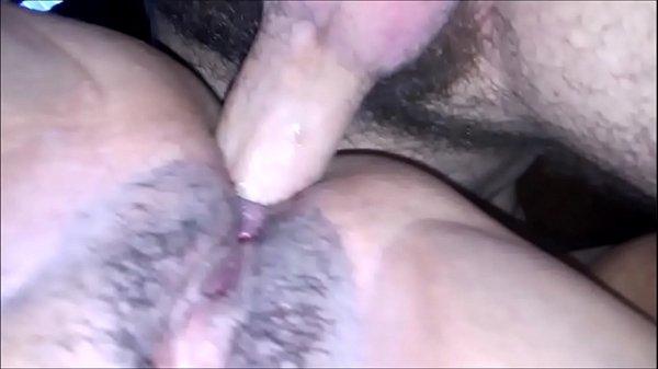 Gorda bucetuda abrindo o cu